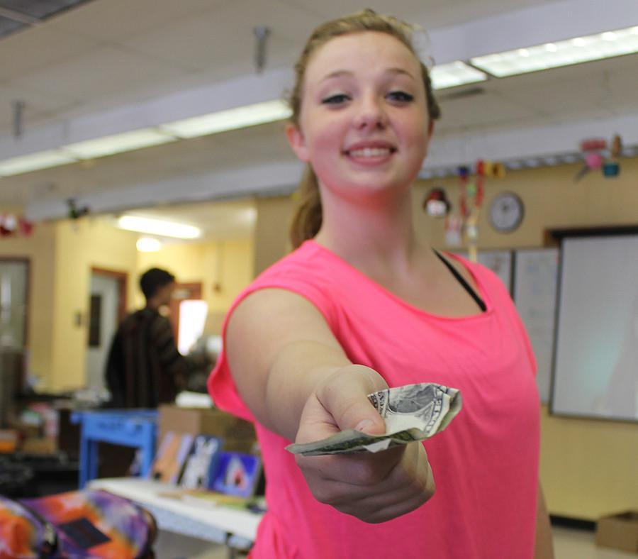 JUNIOR CLASS COUNCIL MAKES PROGRESS RAISING MONEY FOR PROM