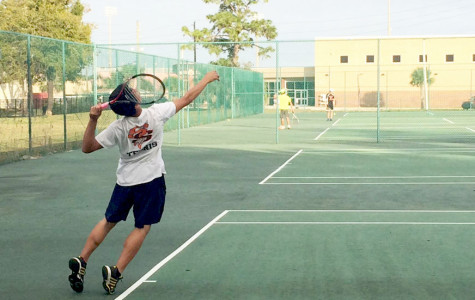 'NOLES VARSITY TENNIS TEAM TRAINS TOWARDS ANOTHER GREAT SEASON