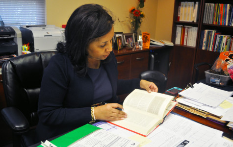DR. CONNIE COLLINS, SEMINOLE'S OWN OPRAH, TO WRITE FIRST SELF-HELP BOOK