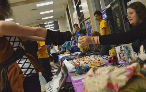 Clubs are featured in Seminole's club forum before the open house.