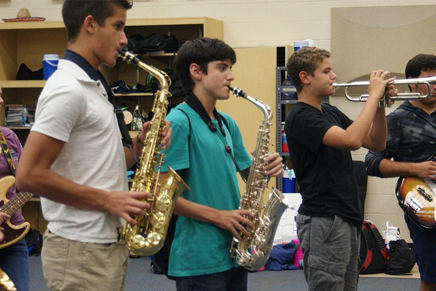 The SHS Marching Band practices for the upcoming FBA.