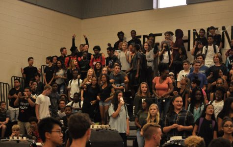 CLASSROOM PROBLEMS STEM FROM LARGE AMOUNT OF FRESHMEN