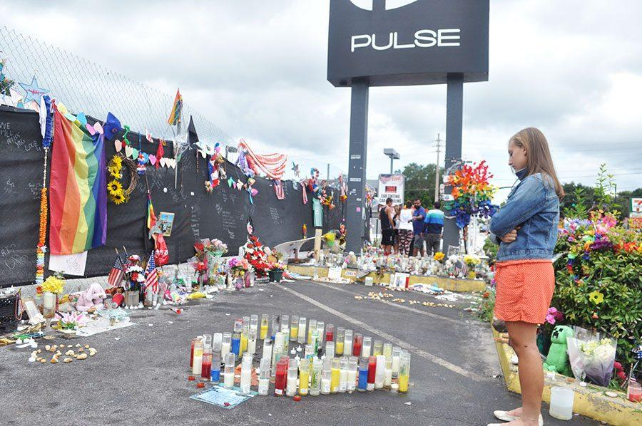 Seminole+mourns+the+loss+of+life+at+the+Pulse+memorial+in+Orlando.