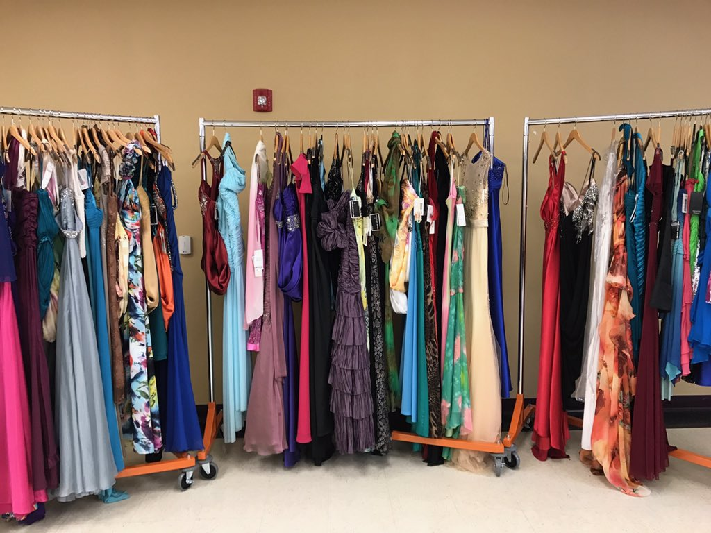 Students are continuing to struggle with keeping up with the costs of prom.