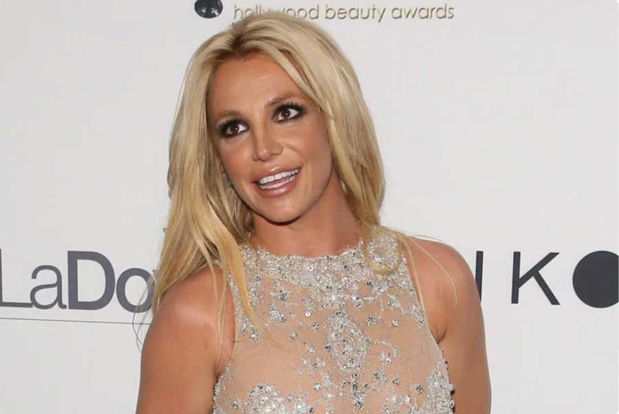 Famous people might not have as glamorous of a life as you would think, a lot more goes on behind closed doors than some may believe. In 2019, many people grew concern for Britney Spears after many questionable events.  Photo: Yahoo