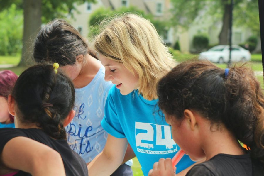 Students+can+volunteer+to+help+their+communities.+You+can+earn+extra+credit+hours+and+many+scholarship+opportunities.